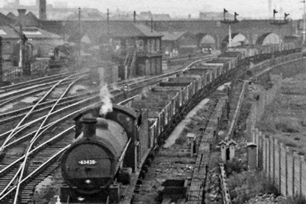 Black and white photo of train